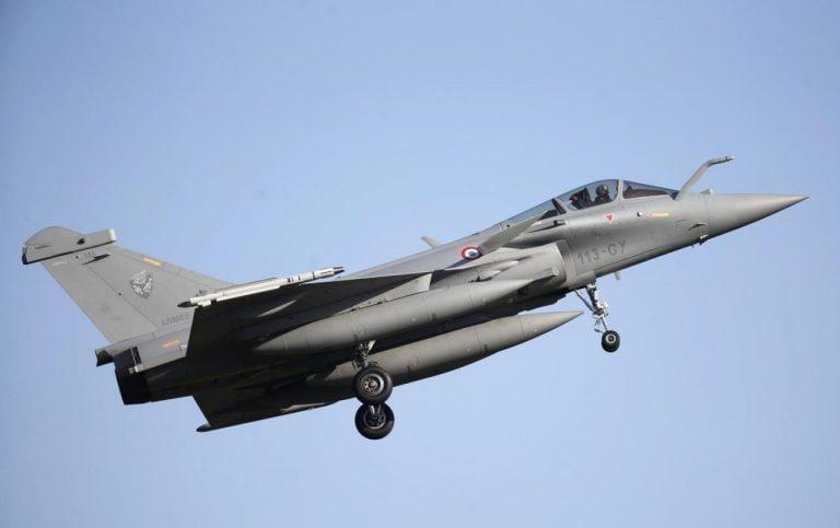 "rafale行:Dassault Aviation澄清它已经""自由选择""搭配Anil Ambani的Reliance"""